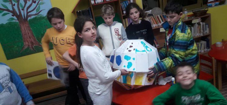 """""""Έχουμε θέμα Μάρτιος:  Σελήνη ο δορυφόρος της γης»"""