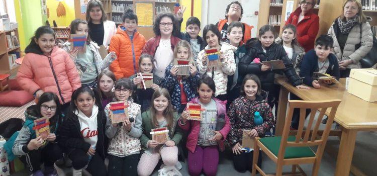 Υφαίνοντας και ράβοντας: τα υφάσματα και οι ιστορίες